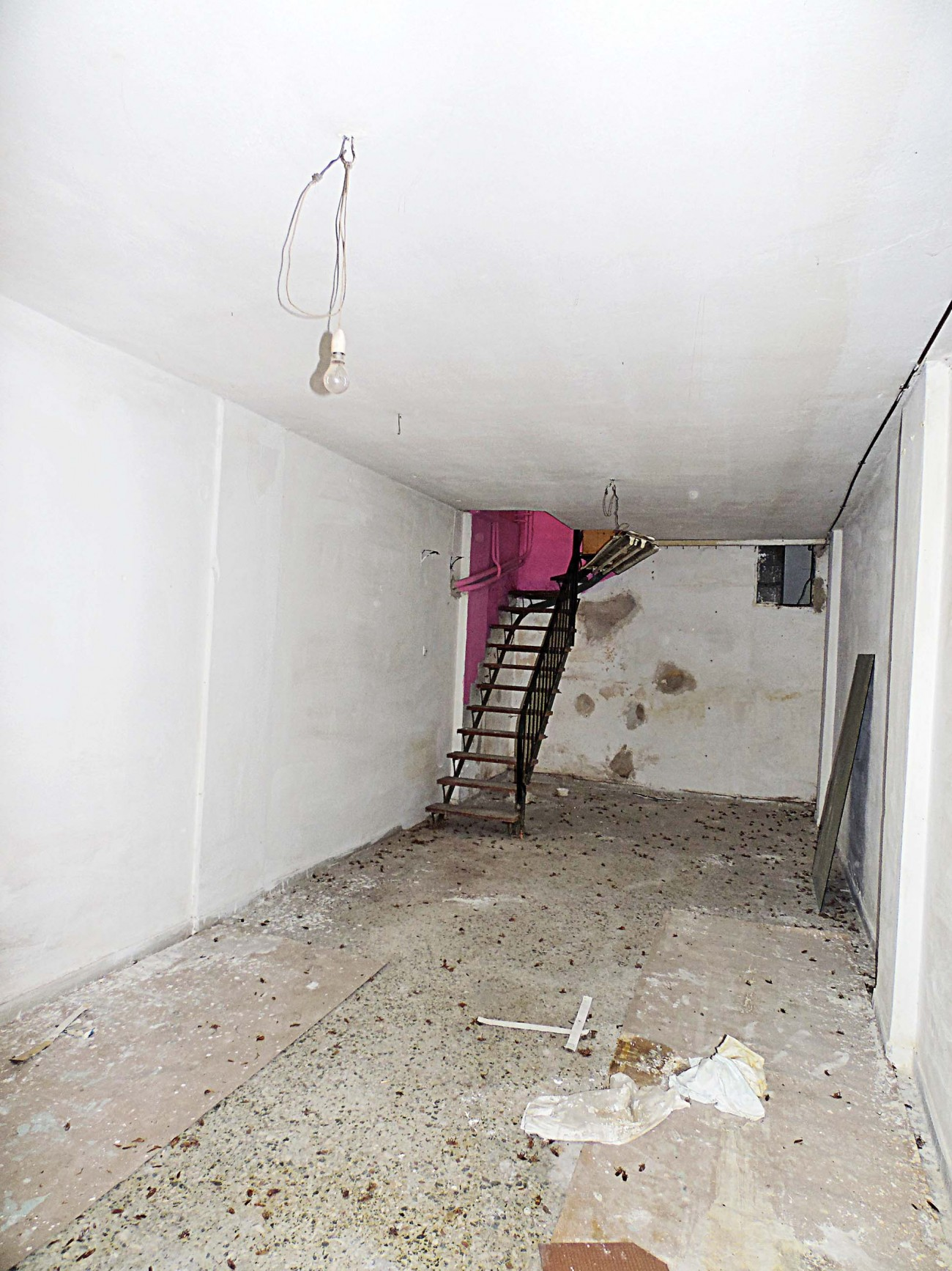 Shop for Rent in Kipseli, Athens City Center, Greece