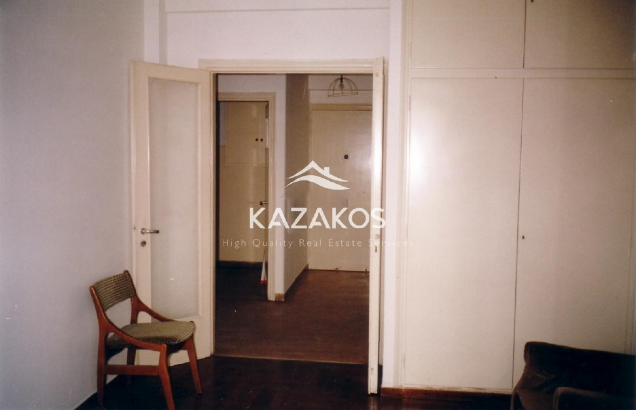 Townhouse for Sale in Attikis Square, Athens City Center, Greece