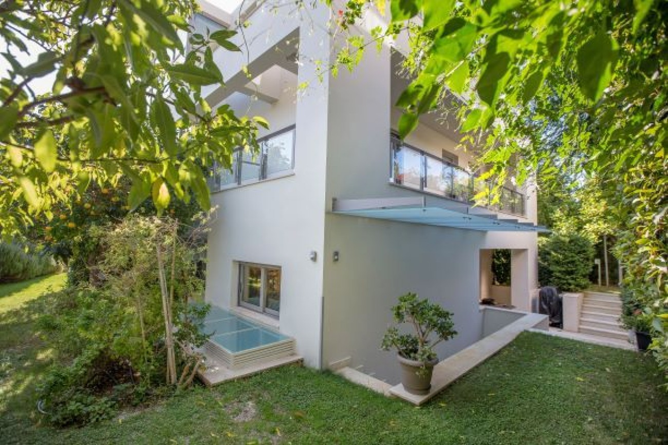 Villa for Sale in Bari, Central & South Region of Athens, Greece