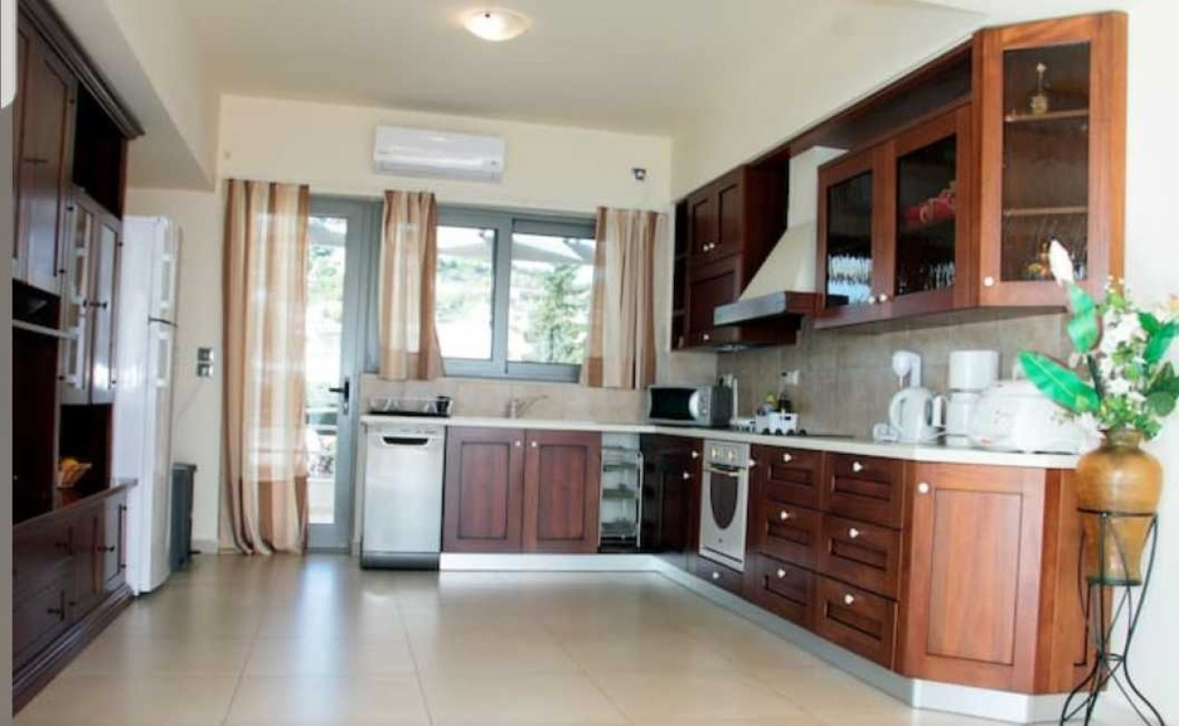Residential Other for Sale in Kalivia Thorikou, Rest of Attica, Greece
