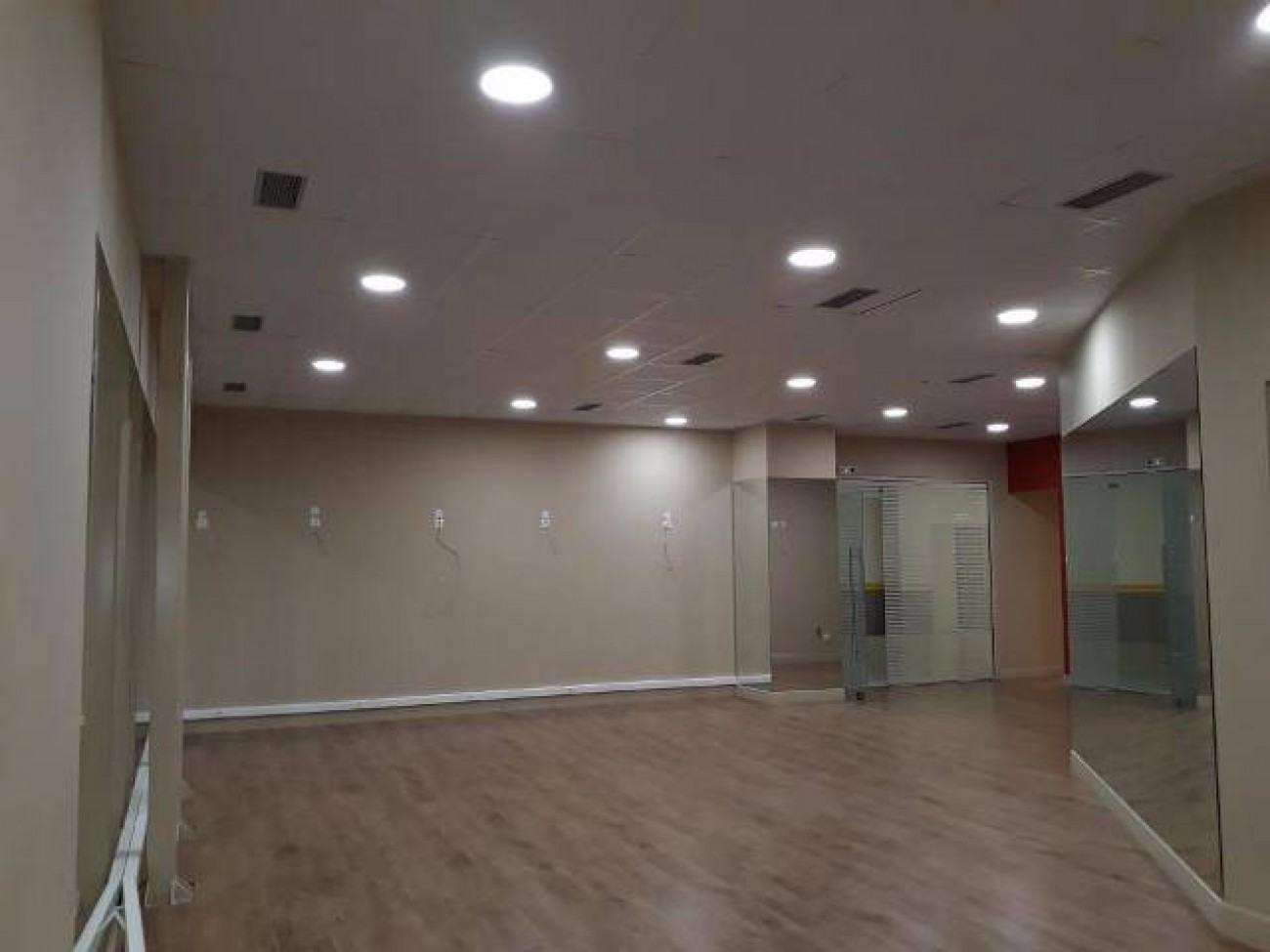 Office for Rent in Central & Southern Suburbs, Prefecture of Attica
