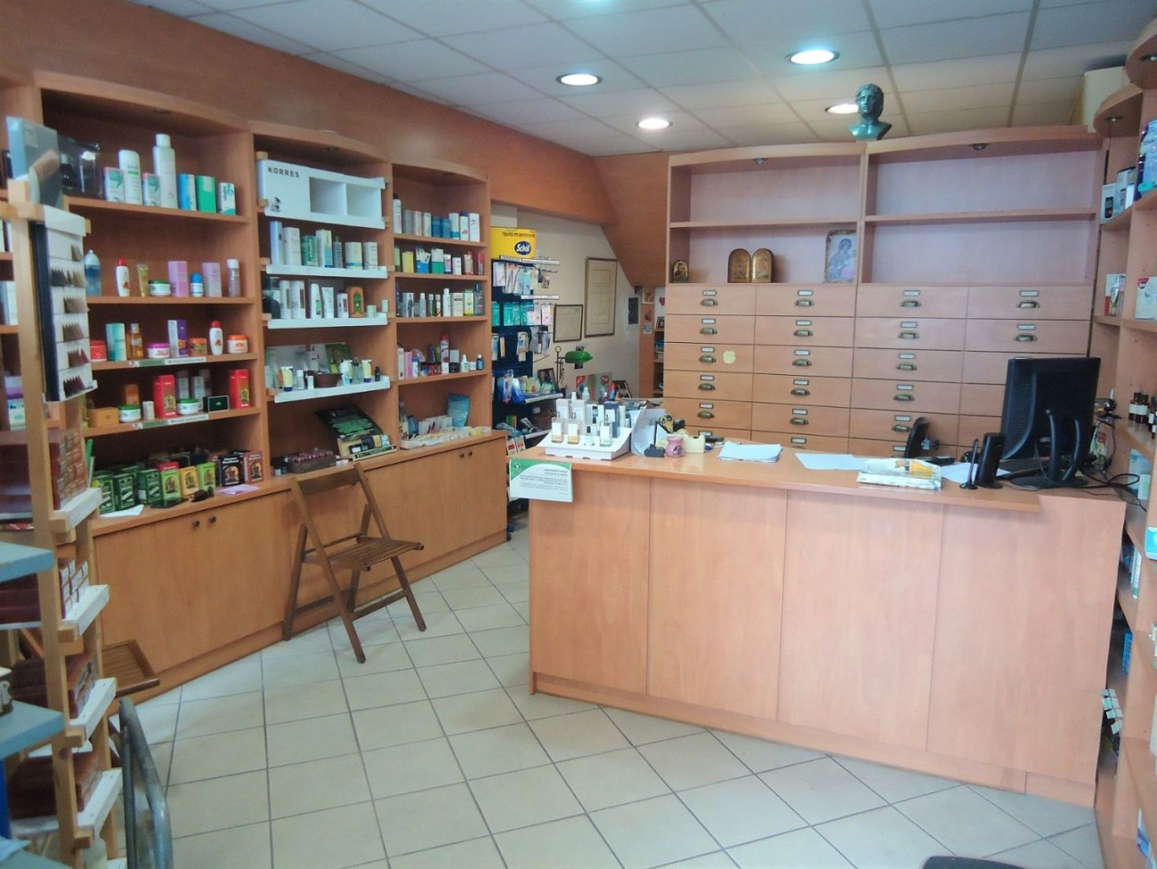 Shop for Rent in Gyzi, Athens City Center, Greece