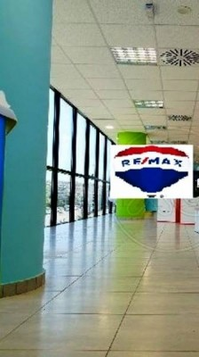 Building for Rent in Central & Southern Suburbs, Prefecture of Attica
