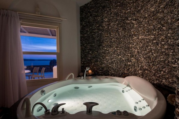 House for Sale in Santorini, Cyclades